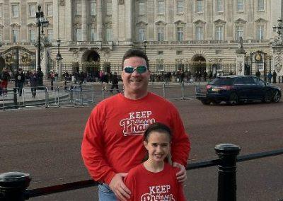 Maura & Matt Keep the Phaith at Buckingham Palace, London